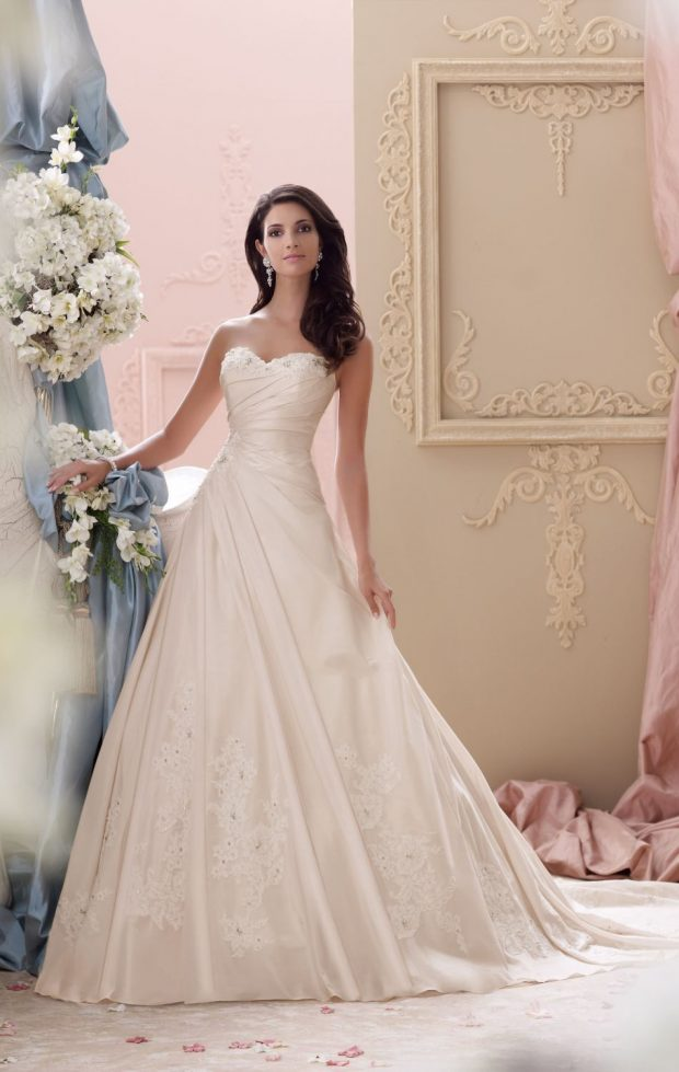 14 Soft and Pastel Pink Wedding Dresses for Romantic Bride Look