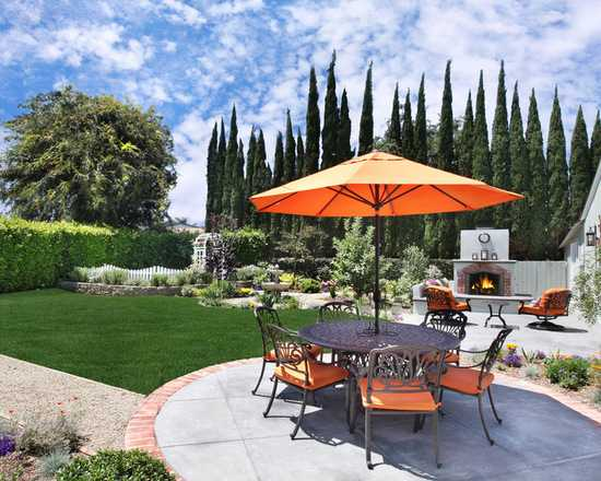 18 Outdoor Umbrella Ideas for Backyard Patios and Decks