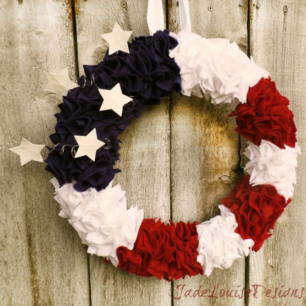 15 Amazing DIY 4th of July Wreath Ideas