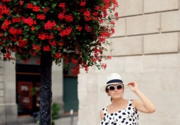 Dots and Spots: 15 Cute Summer Outfit Ideas (Part 2) - Summer outfit for woman, summer outfit, summer dots outfit ideas, dots outfit ideas
