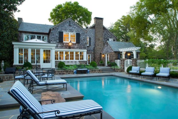 15 Breathtaking Private Swimming Pool Designs For Backyard ...