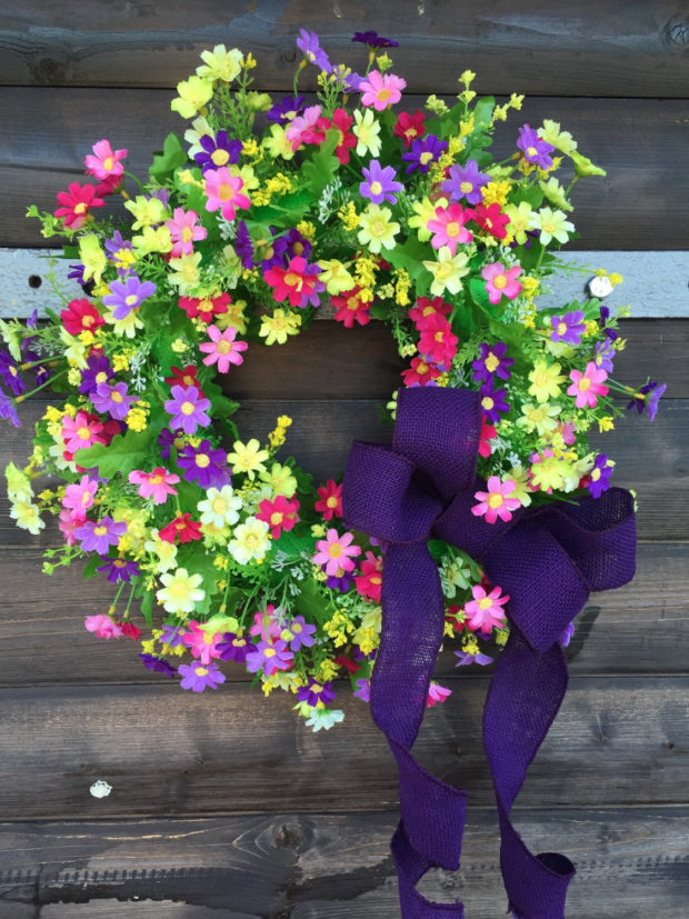 15 Colorful Handmade Summer Wreath Ideas To Refresh Your Front Door (12)