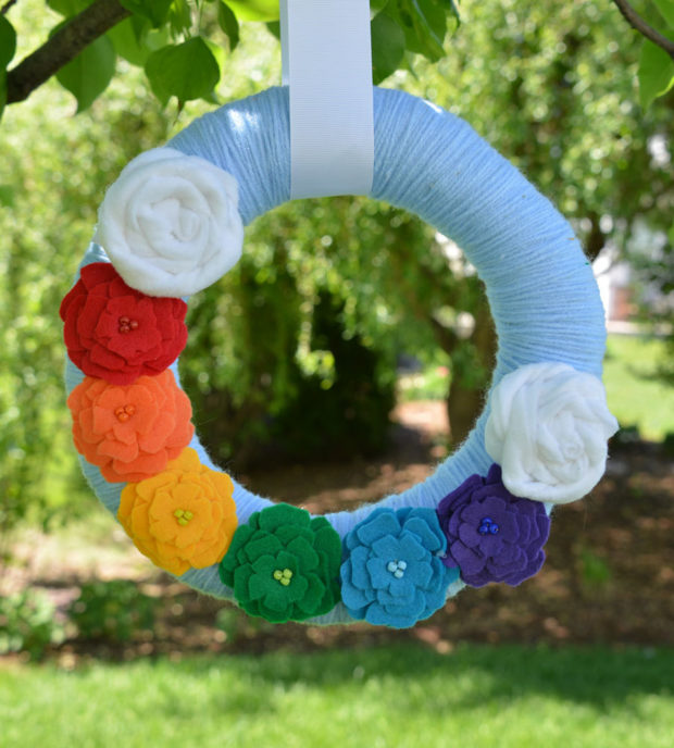 15 Colorful Handmade Summer Wreath Ideas To Refresh Your Front Door (14)
