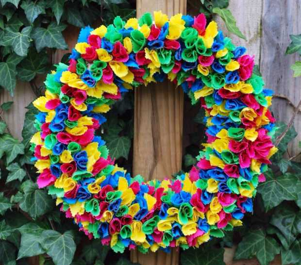15 Colorful Handmade Summer Wreath Ideas To Refresh Your Front Door (6)