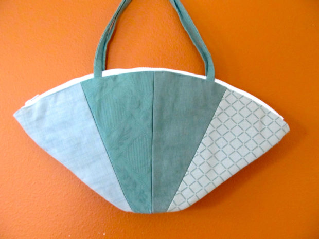 17 Chic Handmade Bags From Repurposed Materials (16)