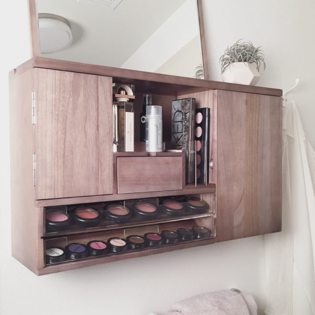 17 Chic Handmade Makeup Organizer & Beauty Station Ideas You'll Love (4)