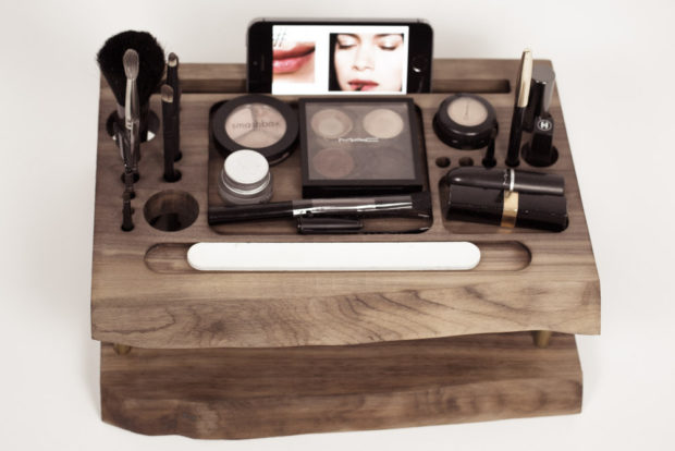 17 Chic Handmade Makeup Organizer & Beauty Station Ideas You'll Love (5)