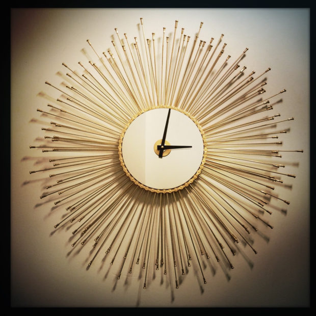 17 Inspirational Handmade Wall Clock Ideas That You Can Express Yourself With (14)