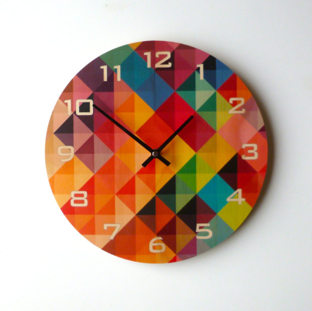 17 Inspirational Handmade Wall Clock Ideas That You Can Express Yourself With (9)
