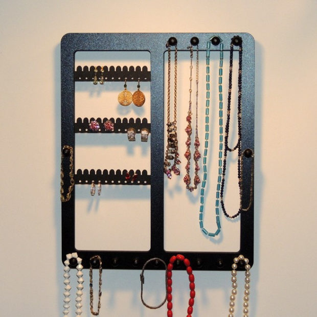 17 Simple But Awesome Handmade Jewelry Organizer Ideas You Can DIY (12)