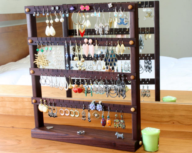 17 Simple But Awesome Handmade Jewelry Organizer Ideas You Can DIY (15)