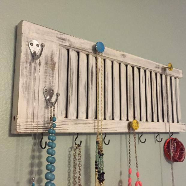 17 Simple But Awesome Handmade Jewelry Organizer Ideas You Can DIY (9)