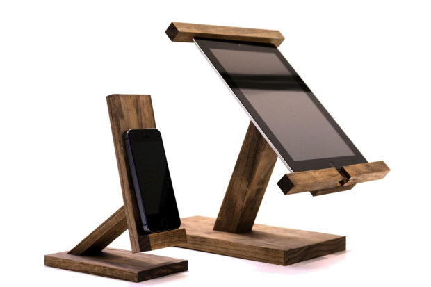 18 Inventive Handmade Dock And Stand Designs For Your Electronics (10)
