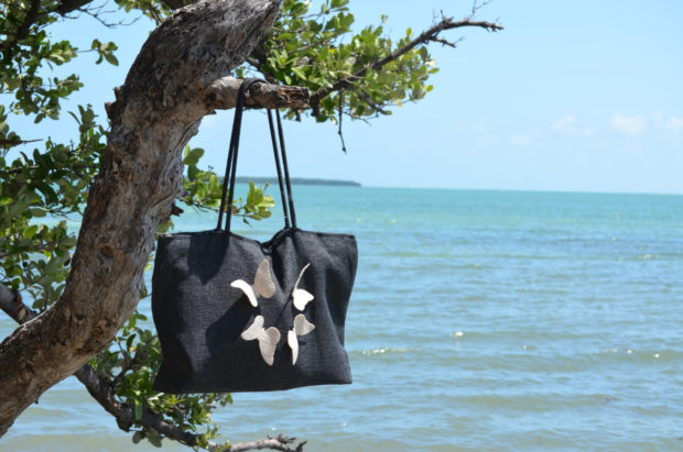 18 Must Have Handmade Beach Bag Designs To Take Your Stuff To The Beach (10)