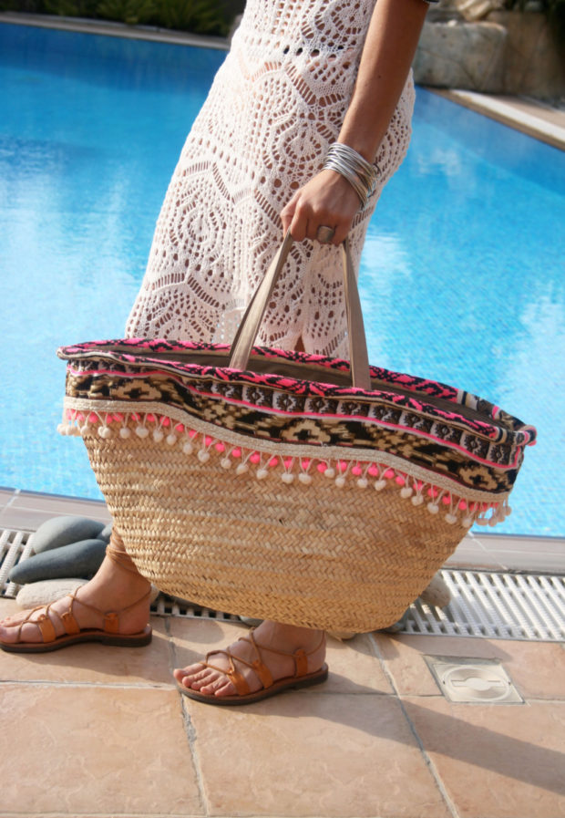 18 Must Have Handmade Beach Bag Designs To Take Your Stuff To The Beach (11)