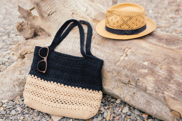 18 Must Have Handmade Beach Bag Designs To Take Your Stuff To The Beach (12)