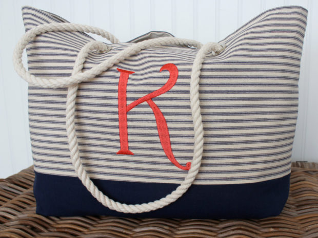 18 Must Have Handmade Beach Bag Designs To Take Your Stuff To The Beach (14)