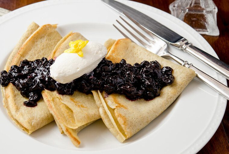 18 Delicious Savory and Sweet Crepe Recipes You Have to Try - Sweet Crepe Recipes, Sweet Crepe, Savory Crepe Recipes, Savory Crepe, Savory and Sweet Crepe Recipes, pancakes, dessert recipes, breakfast recipes