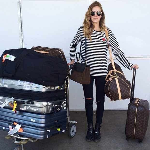 What to Wear When You Travel: 15 Cool and Comfortable Outfit Ideas