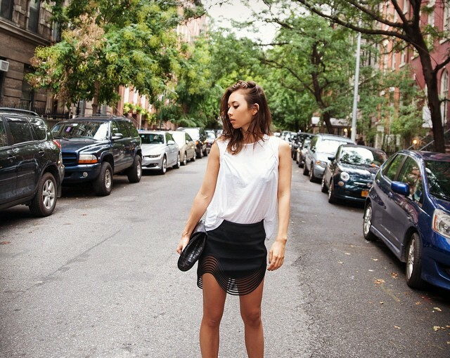 18 Chic Ways To Wear A White Tee - white tee, White T-shirt, casual outfit ideas, basic tee