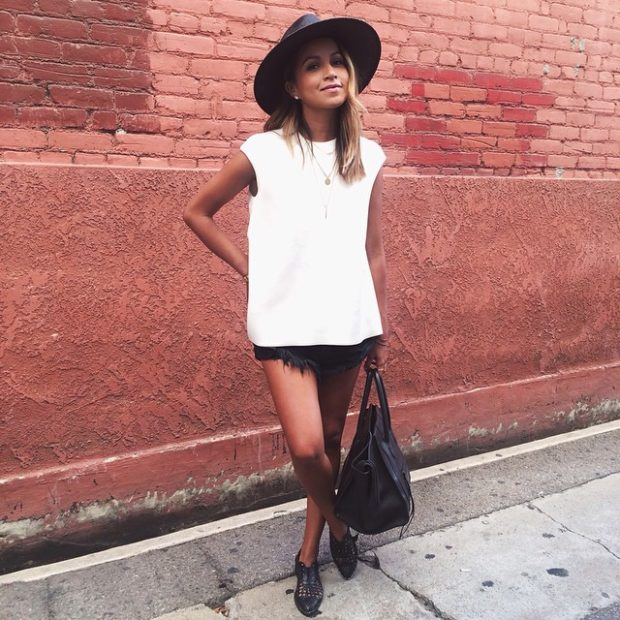 18 Chic Ways To Wear A White Tee
