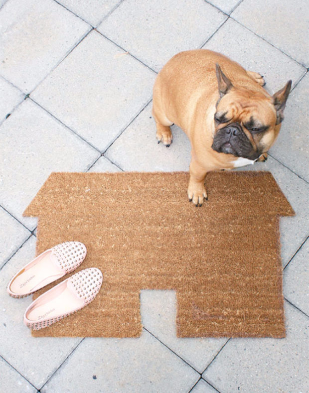 14 Inviting DIY Welcome Mat Ideas You Could Easily Craft