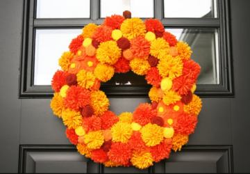 17 DIY Fall Wreaths to Dress Up Your Front Door - diy wreath, diy fall wreath, diy fall decor, diy fall