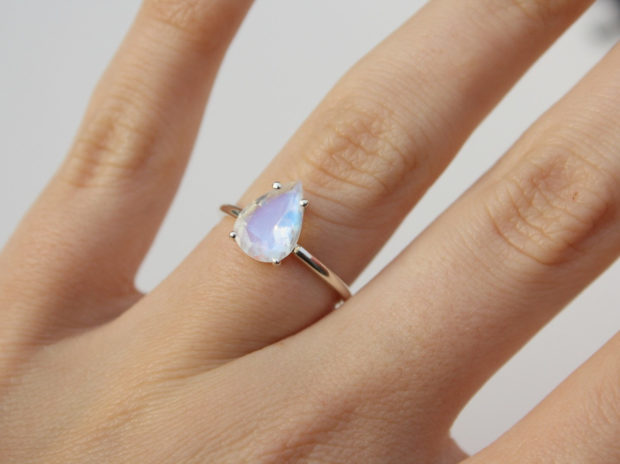 15 Enchanting Handmade Moonstone Jewelry Designs You're Going To Adore (10)