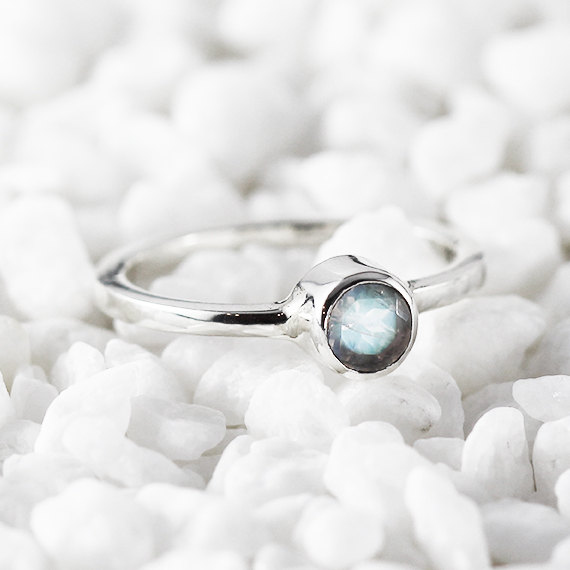 15 Enchanting Handmade Moonstone Jewelry Designs You're Going To Adore (4)