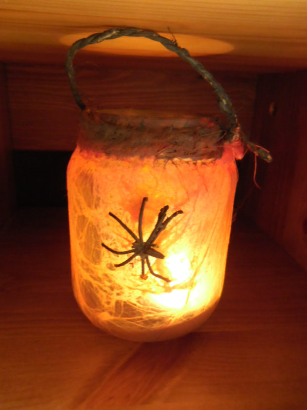 15-frightening-halloween-lights-designs-that-will-create-an-eerie-ambience-12