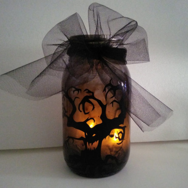 15-frightening-halloween-lights-designs-that-will-create-an-eerie-ambience-13