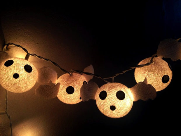 15-frightening-halloween-lights-designs-that-will-create-an-eerie-ambience-15