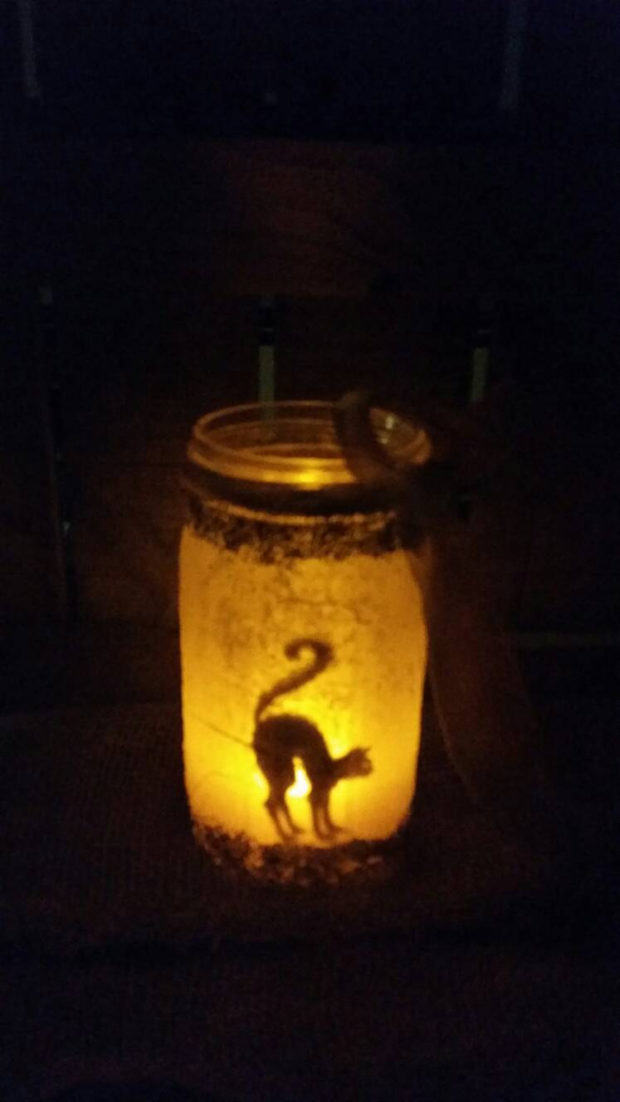 15-frightening-halloween-lights-designs-that-will-create-an-eerie-ambience-5