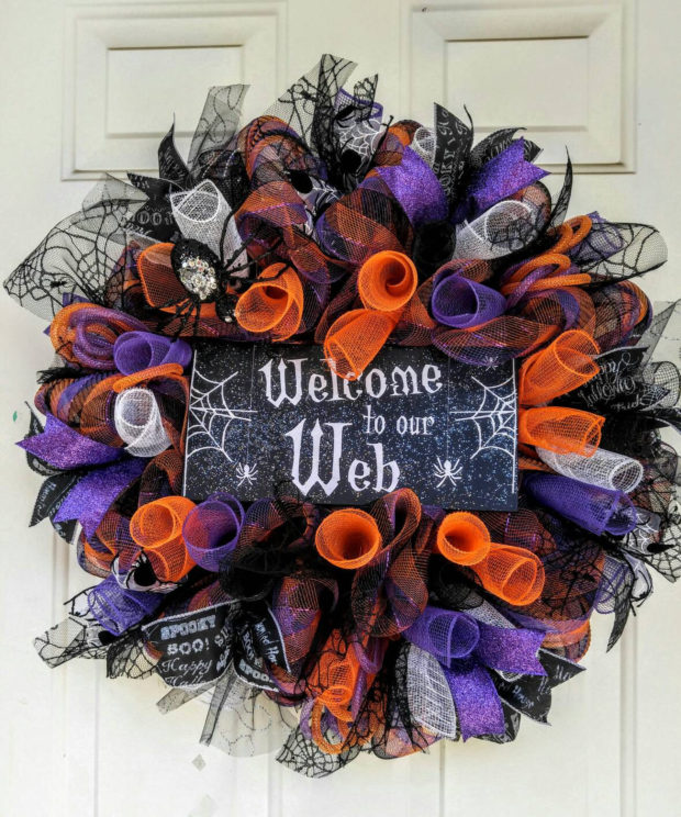 15-spooky-handmade-halloween-wreath-designs-to-decorate-your-front-door-with-10