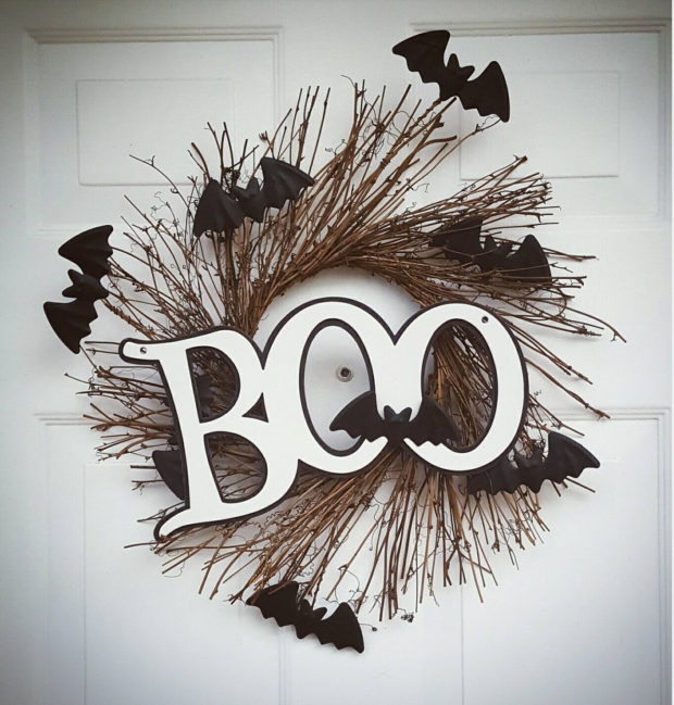 15-spooky-handmade-halloween-wreath-designs-to-decorate-your-front-door-with-12
