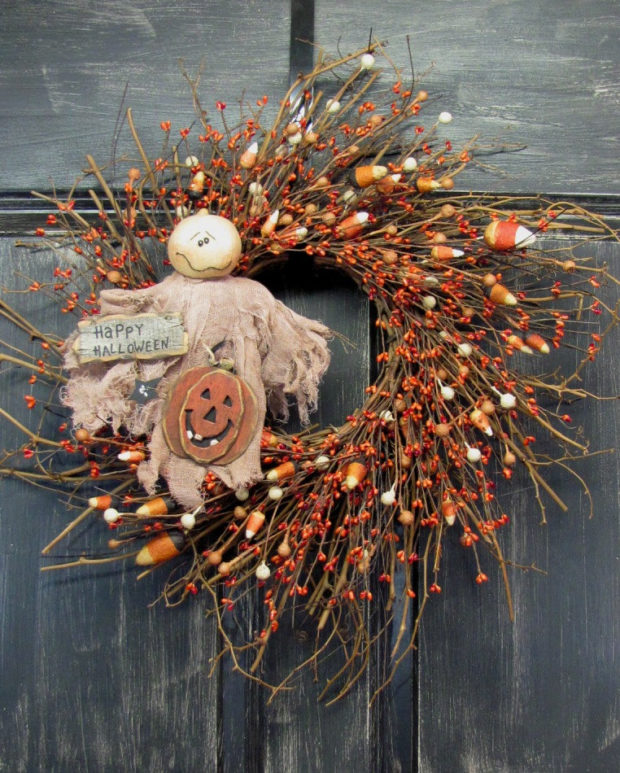 15-spooky-handmade-halloween-wreath-designs-to-decorate-your-front-door-with-7