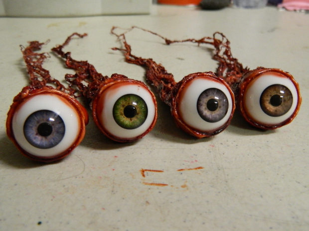 16 Scary And Creative Handmade Halloween Decorations For Your Halloween Party (3)