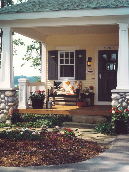 Get Ready for Fall: 17 Cozy Front Porch Design and Decor Ideas