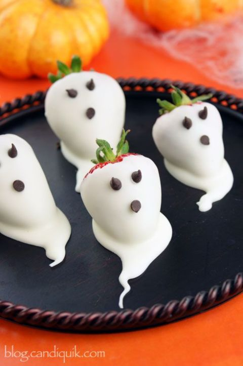16 Spooky Eats and Drinks Recipes for A Grown Up Halloween Party