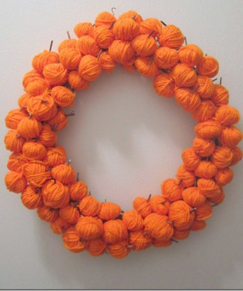 16 Spooky and Creative DIY Halloween Wreaths