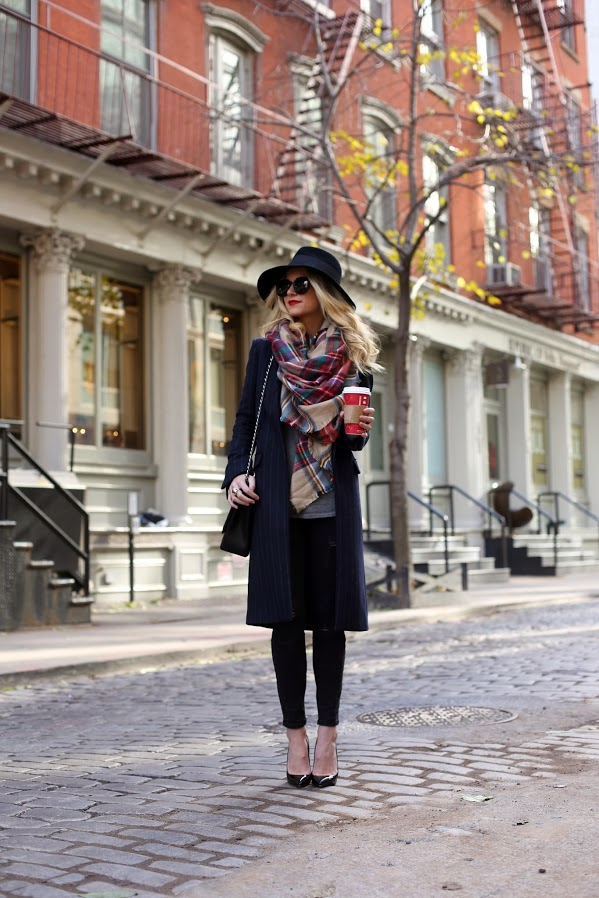 17 Ways of Styling a Scarf On Chilly Fall Days (Part 2)