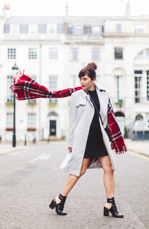 17 Ways of Styling a Scarf On Chilly Fall Days (Part 1)