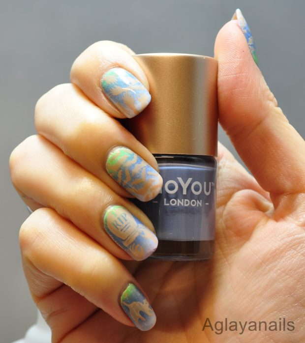 17 Cool Halloween Nail Art Ideas in Unusual Bright and Light Colors