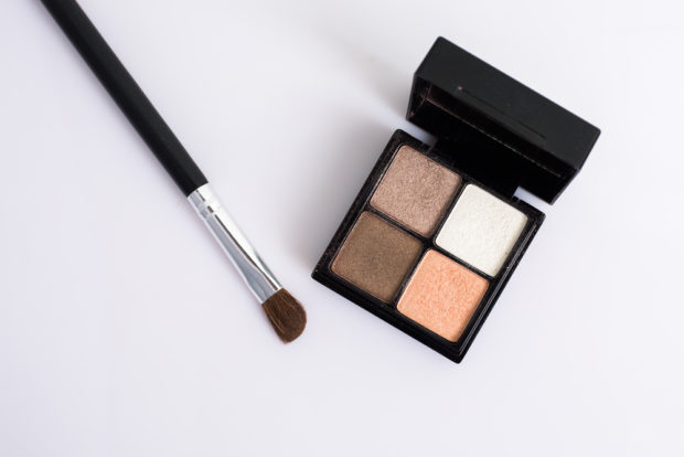 Make Up Bag Must Haves for the Autumn Season
