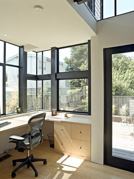 Working at the window 18 home office design inspiration for Home office design inspiration