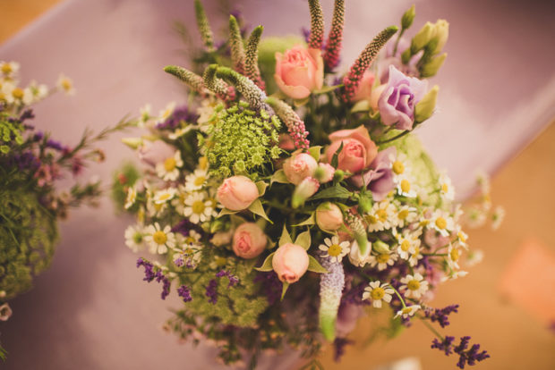 18 Whimsical Bouquets Ideas For Winter Wedding