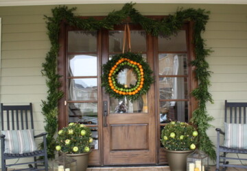 18 Festive Christmas Front Door Decorating Ideas - Festive Christmas Front Door Decorating Ideas, Festive Christmas Front Door, Christmas Front Door Decorating Ideas, Christmas front door decor, Christmas Decorating Ideas