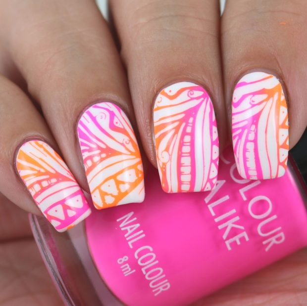Color Contrasts: 15 Creative, Unique and Abstract Nail Art Ideas