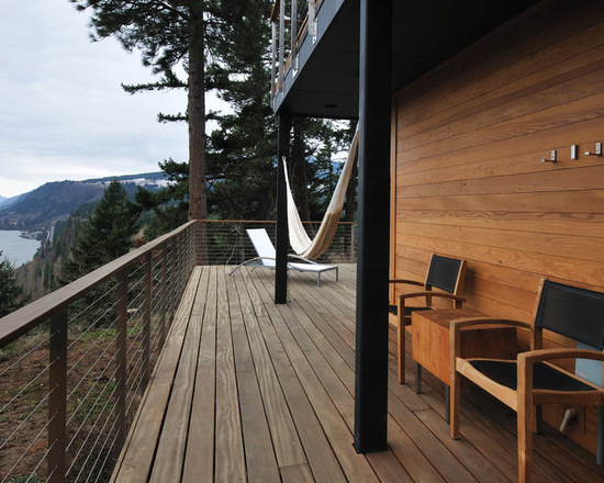 16 Cozy Rustic Balcony Design and Decor Ideas