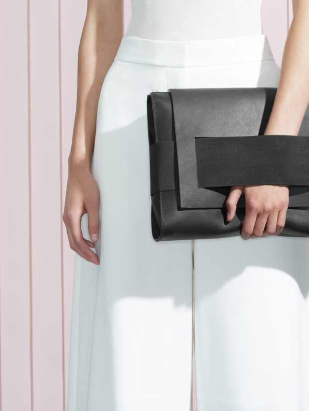 3 Essential Handbags to Include in Your Wardrobe